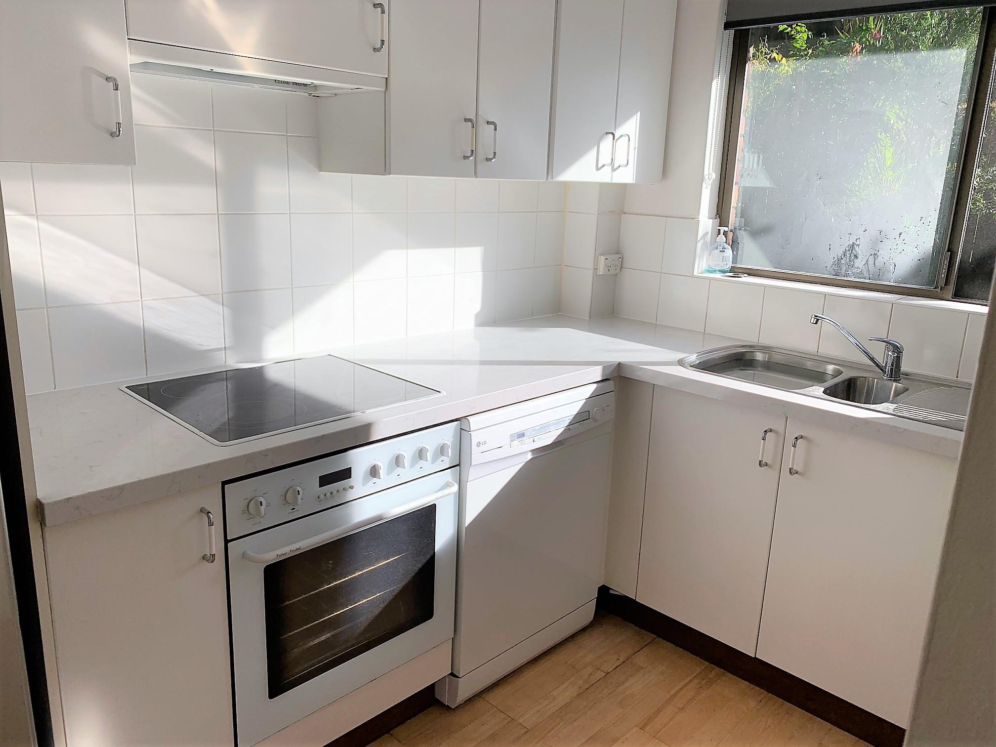 Kitchen Stone Benchtop - Stone Solutions Sydney 2